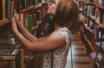 O que faz alguém comprar um livro?